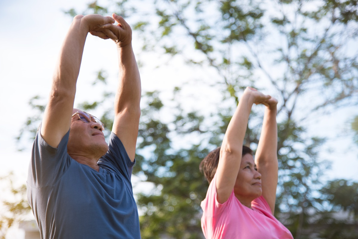 couple exercising together, better husband