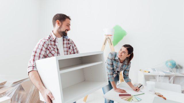 couple renovating home, home renovation cost