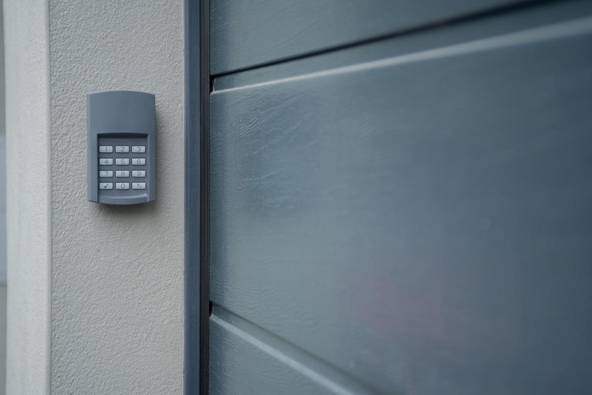 garage door code box, safety tip