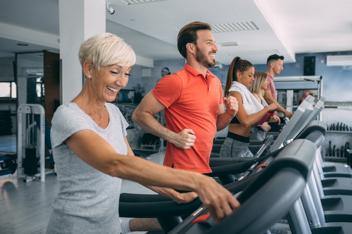 going to the gym, people exercising, over 40 fitness
