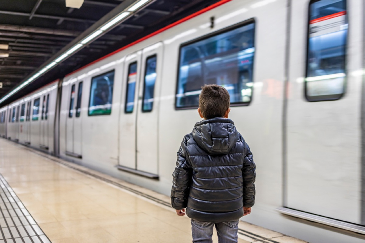 toddler waiting for train, bad parenting advice