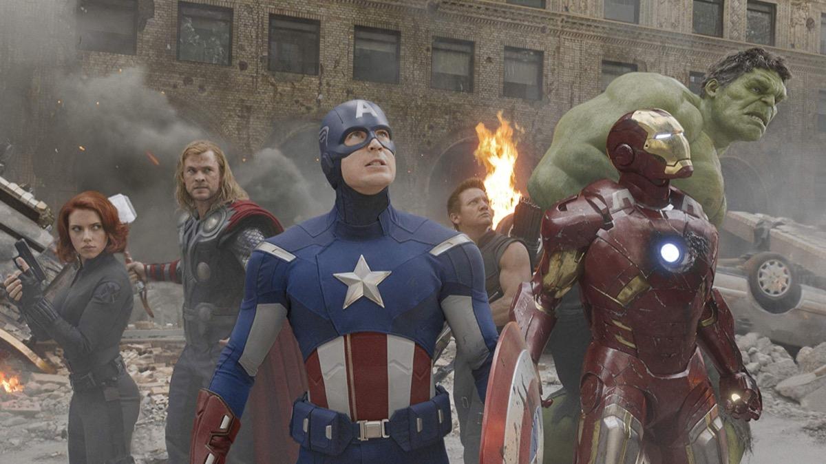 Scarlett Johannson, Chris Hemsworth, Chris Evans, Jeremy Renner, Robert Downey Jr, and Mark Ruffalo in The Avengers