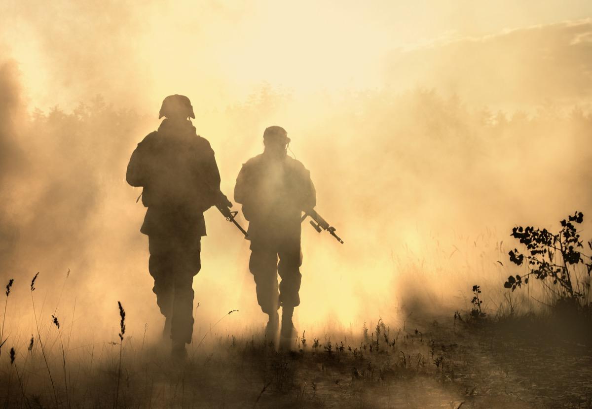 military service men in combat