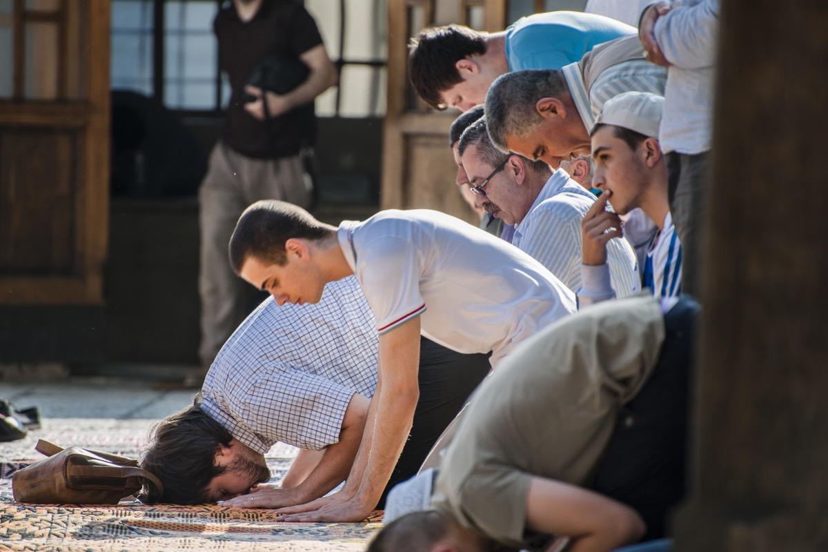 Muslims Praying For Ramadan