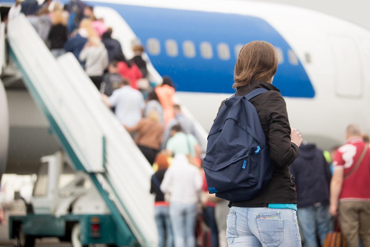 passengers boarding airplane things that horrify flight attendants