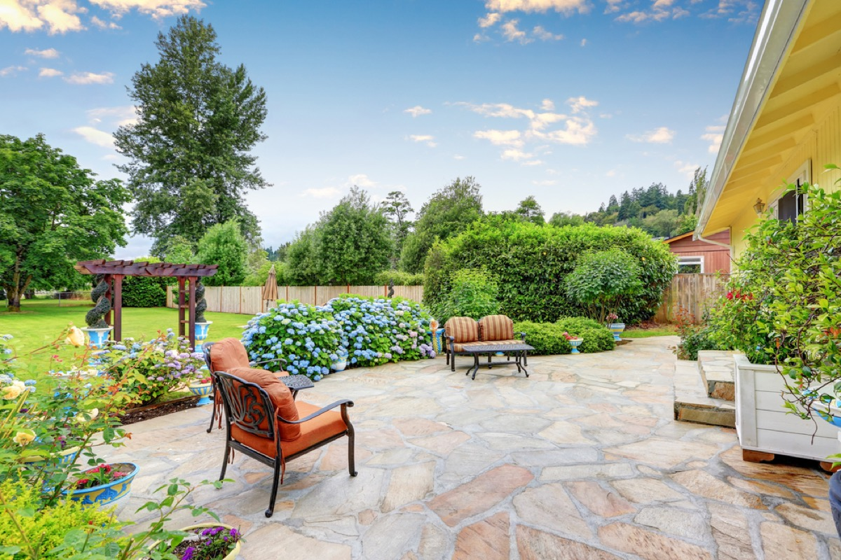 outdoor seating space, home remodeling cost