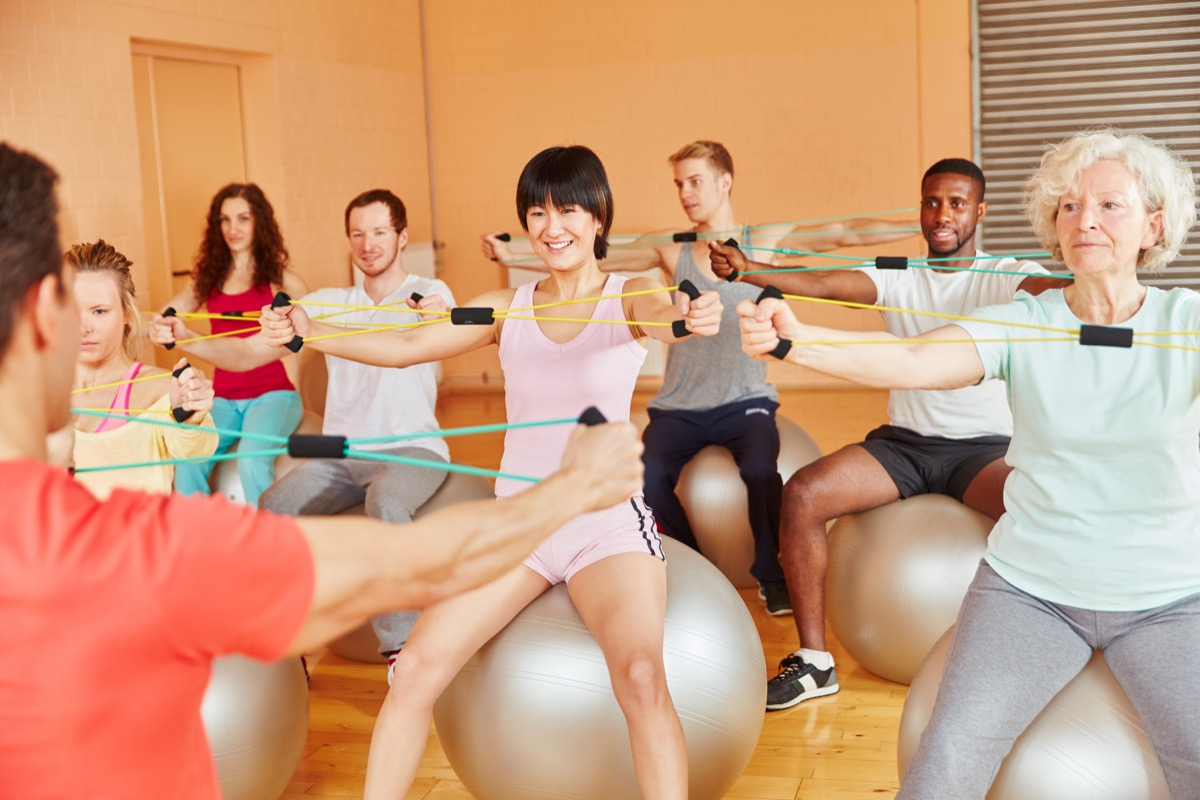 workout class for senior citizens habits that slow down aging