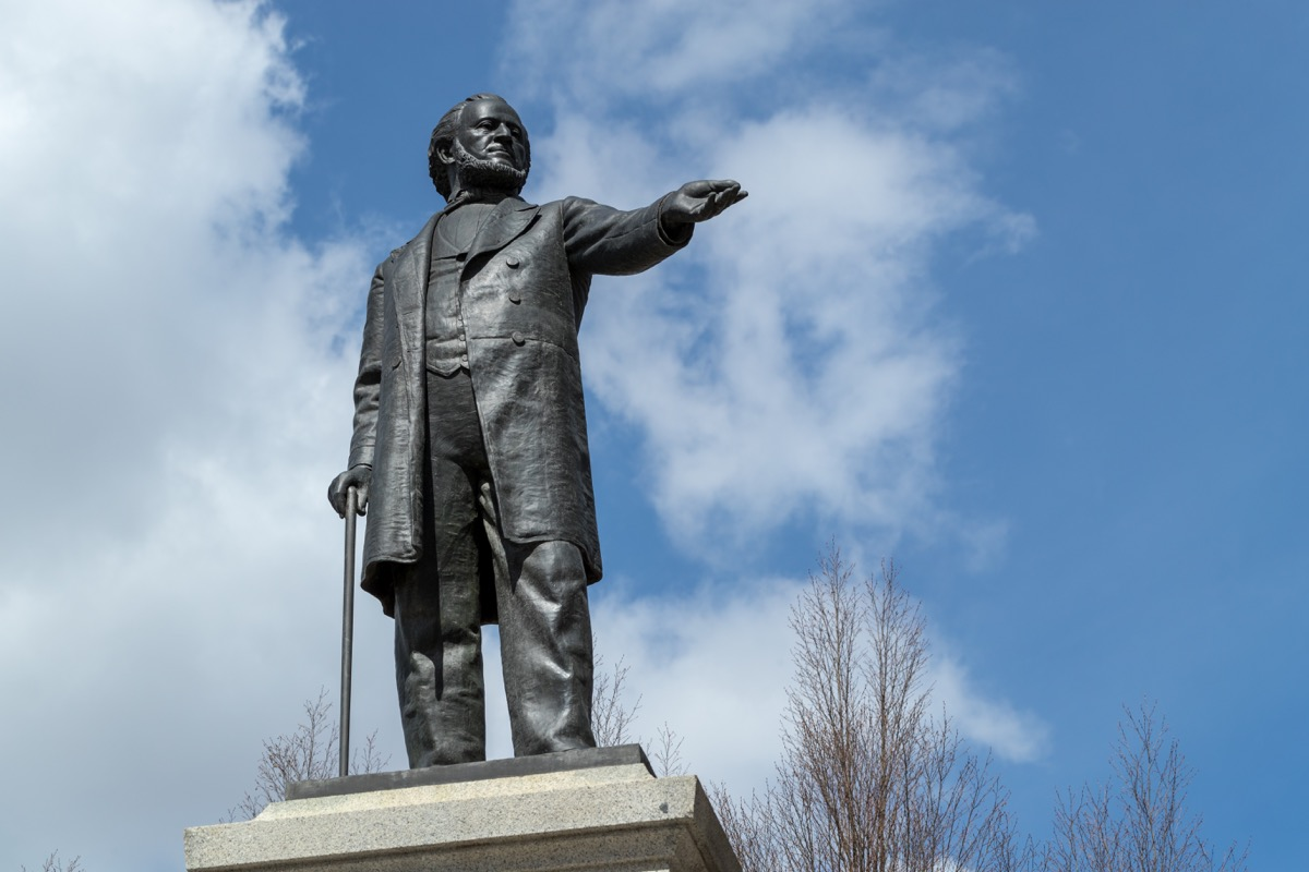 brigham young statue in utah famous state statues