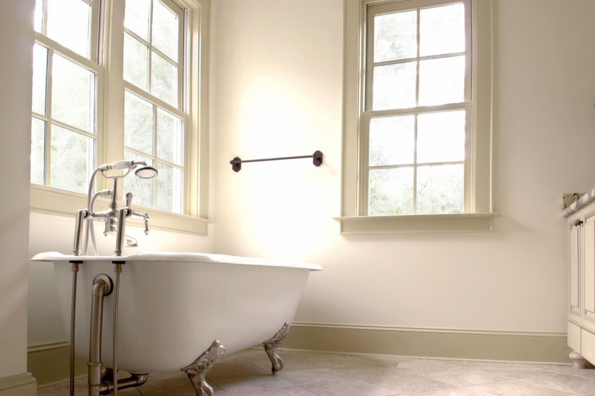 Bathroom with a Clawfoot Tub Vintage Home Trends