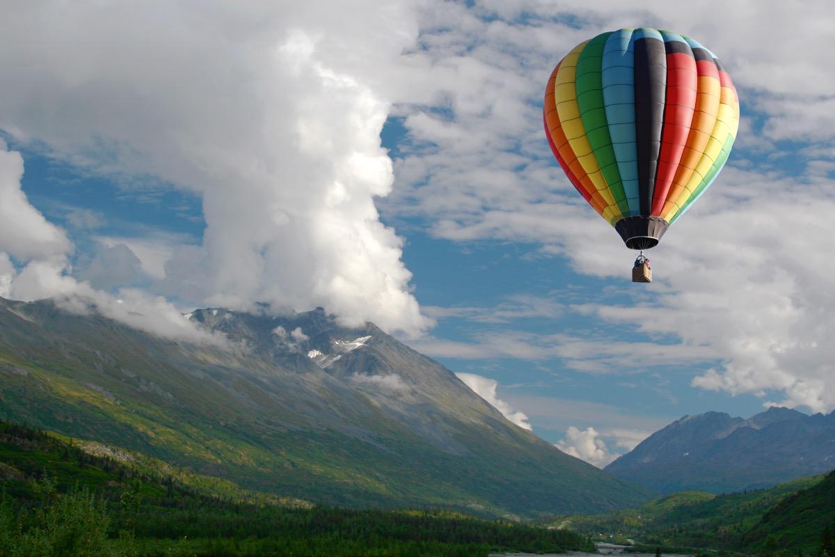 hot air balloon ride over colorado