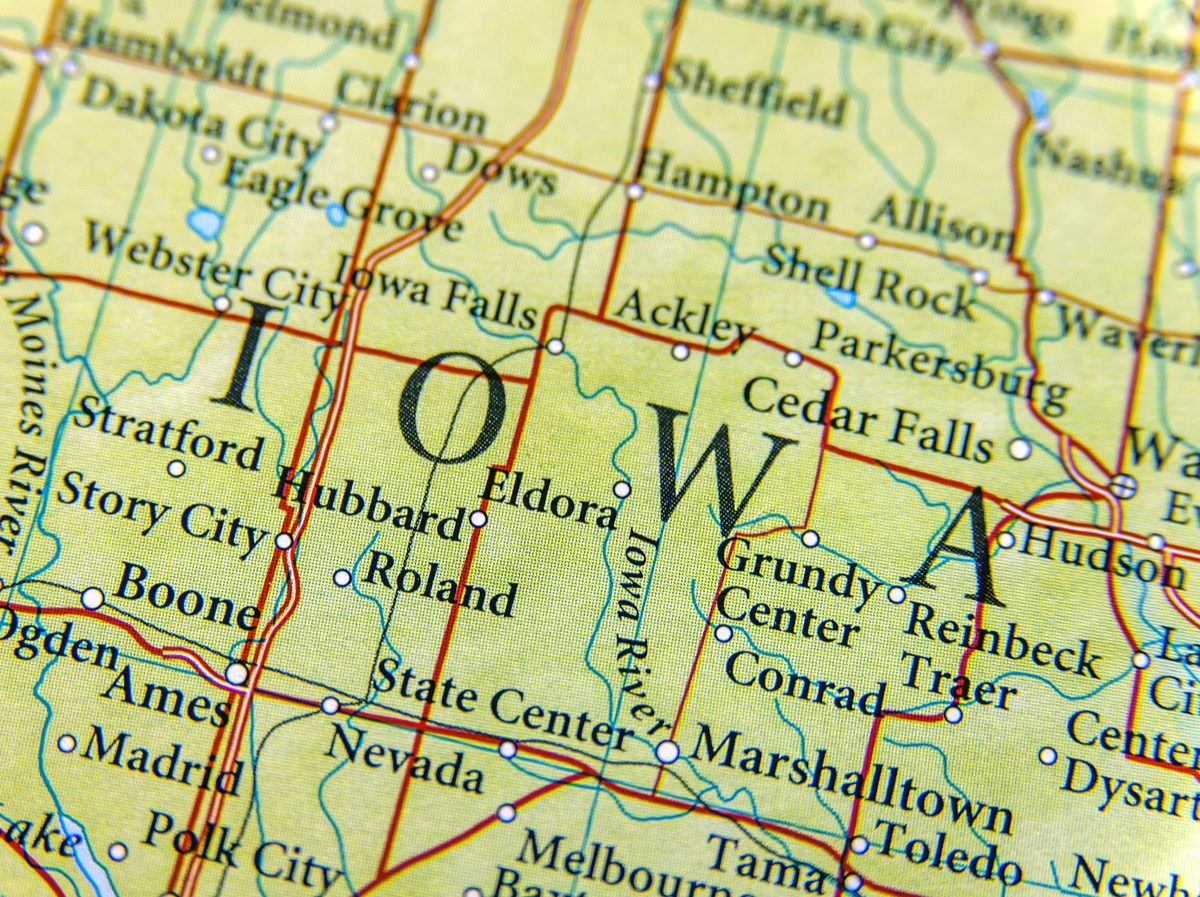 iowa geographical map state natural wonders