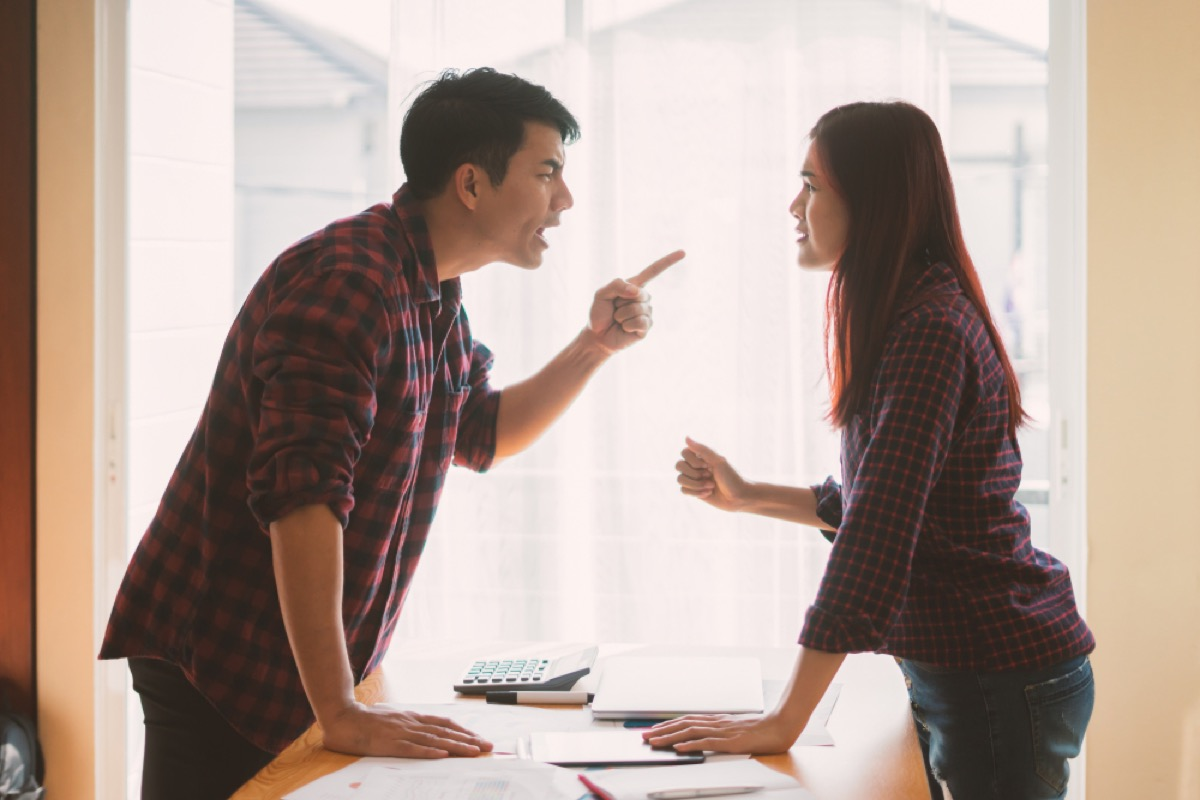 man yelling at woman, things you should never say to your spouse