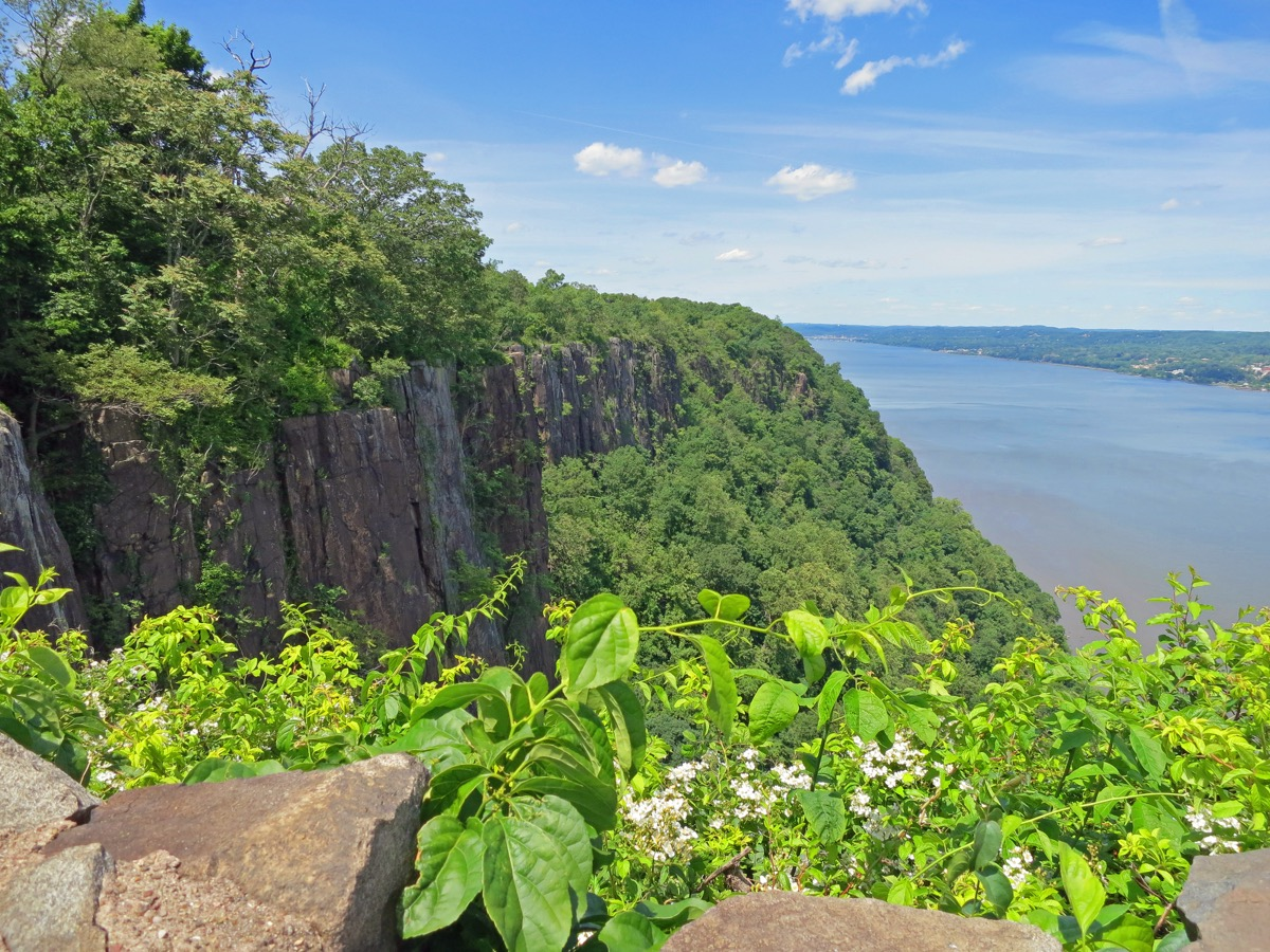 palisades cliffs new jersey state natural wonders