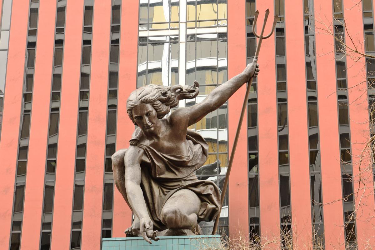 portlandia statue oregon famous state statues