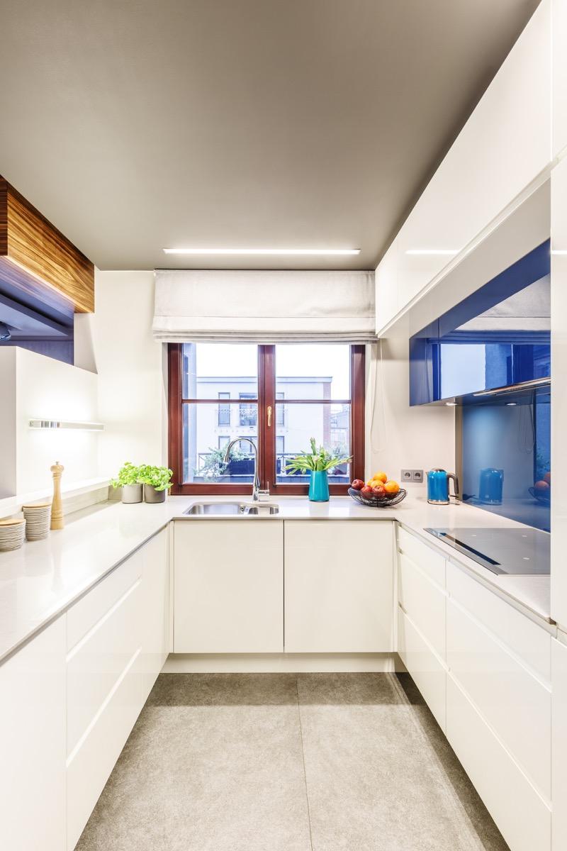 Simple White Kitchen, interior design mistakes