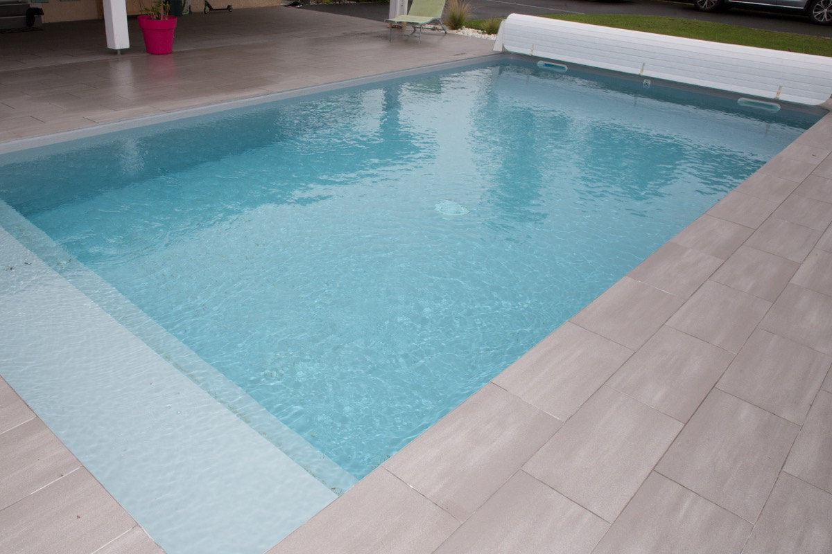 uncovered pool