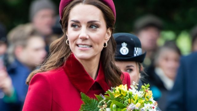 Kate Middleton wears headband
