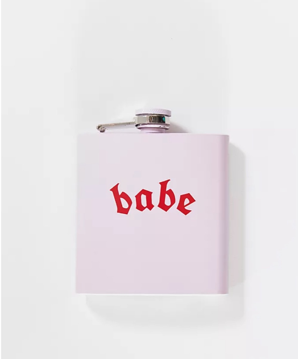 """pink flask with """"babe"""" written on it, best gifts for girlfriend"""