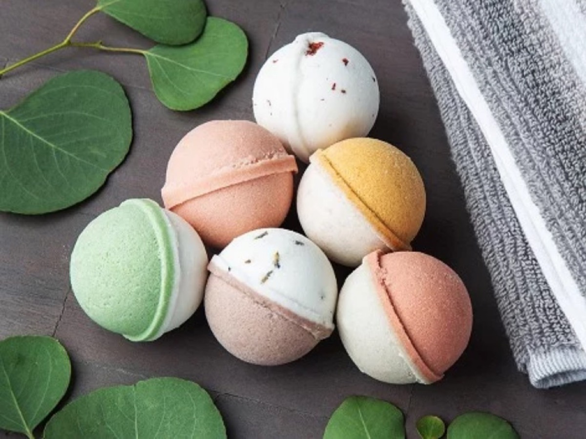 six round bath bombs, best gifts for girlfriend