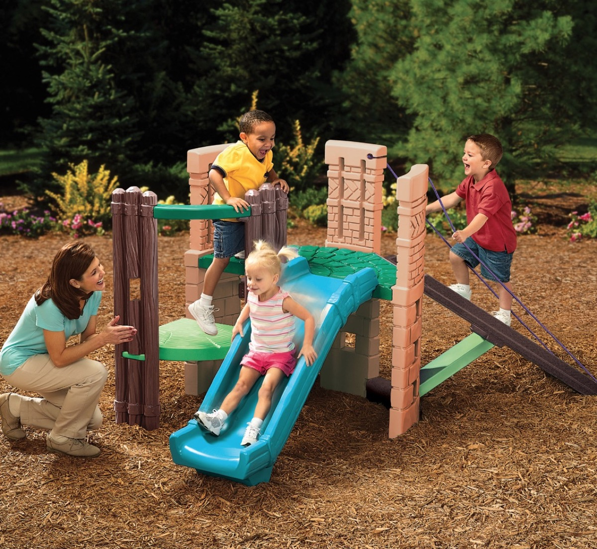 castle themed outdoor playset with slide, best outdoor toys for toddlers