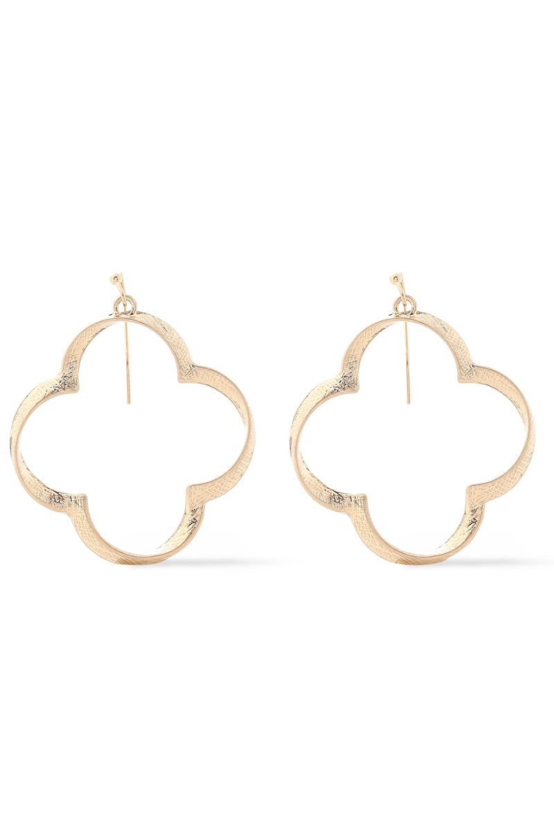 gold clover-shaped earrings, best gifts for girlfriend