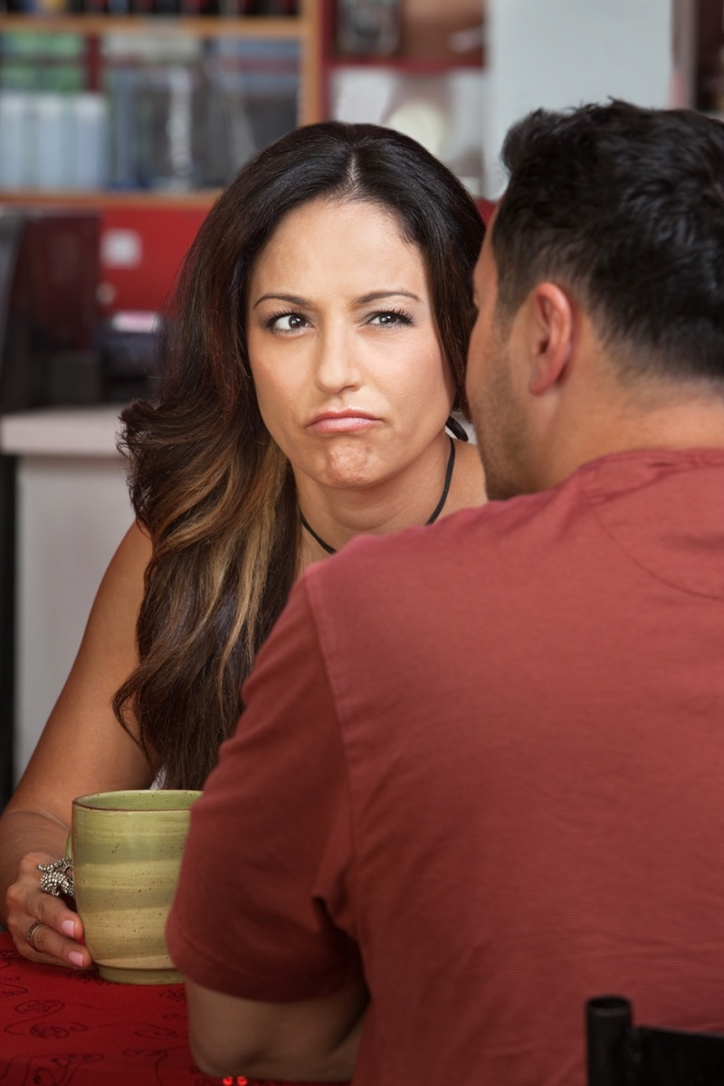 doubtful woman talking to friend things you should never say to a single parent