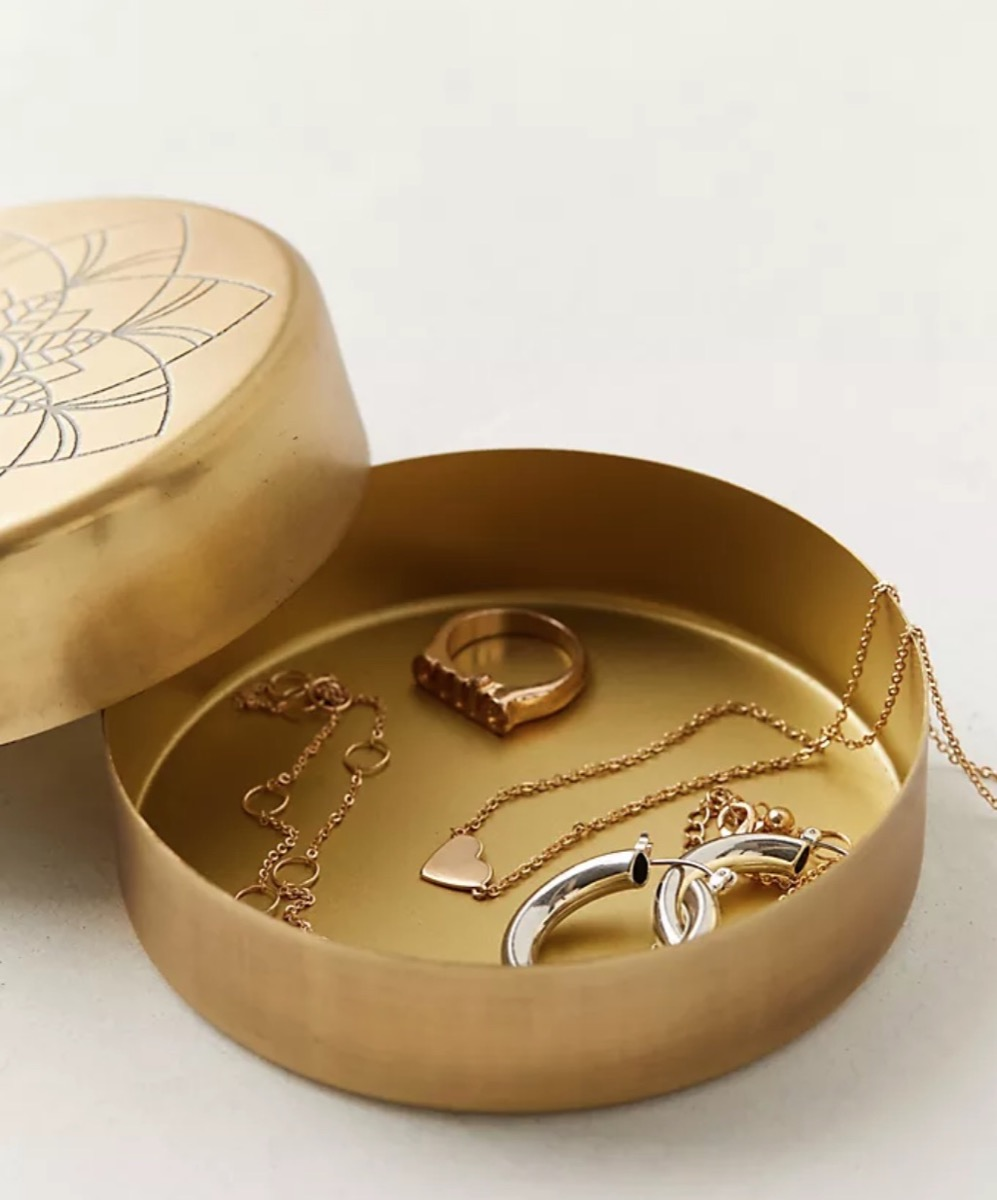 gold box with jewelry inside, best gifts for girlfriend