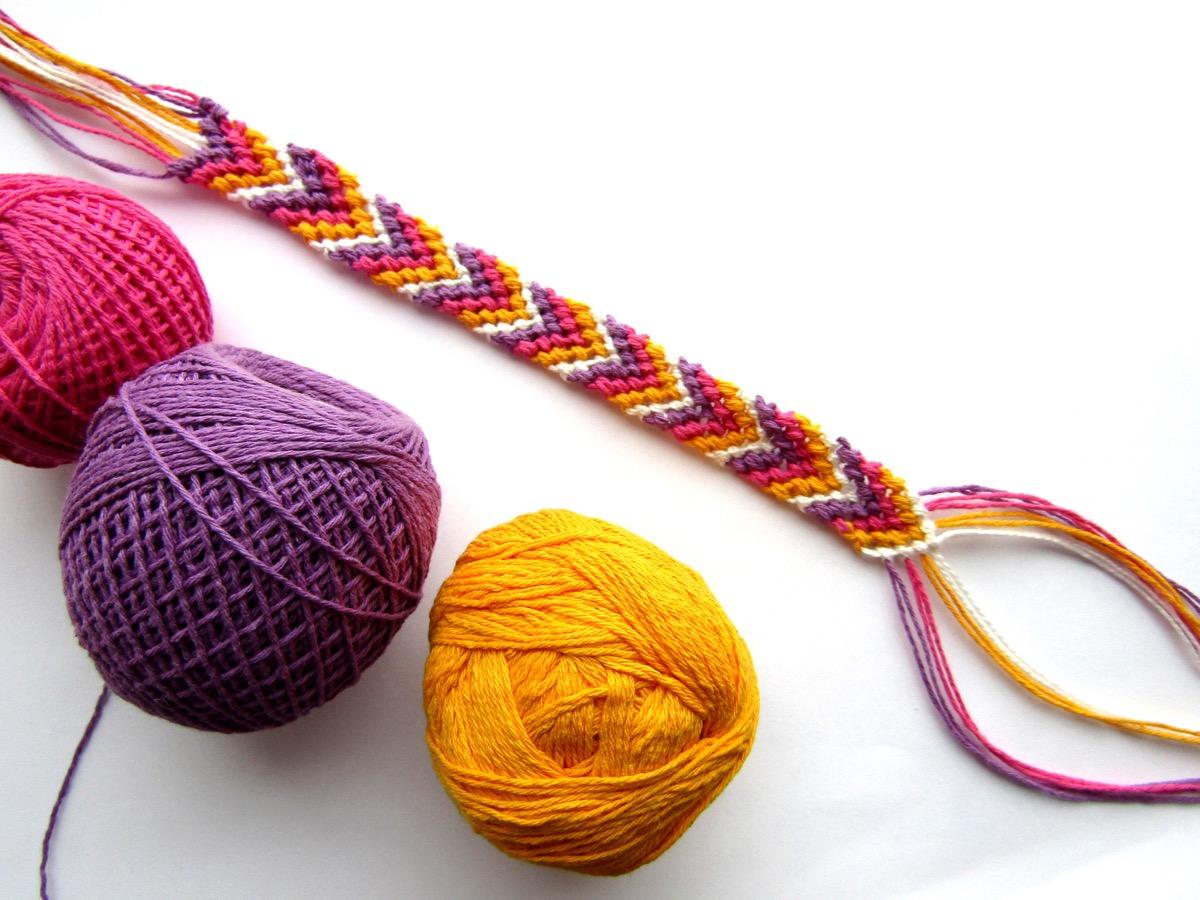friendship bracelet with yarn, weird state records