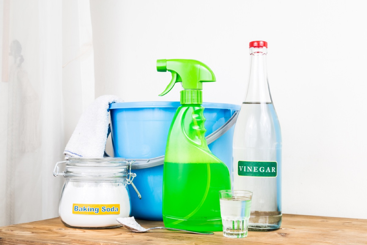 homemade cleaning supplies, how often you should replace your cleaning supplies