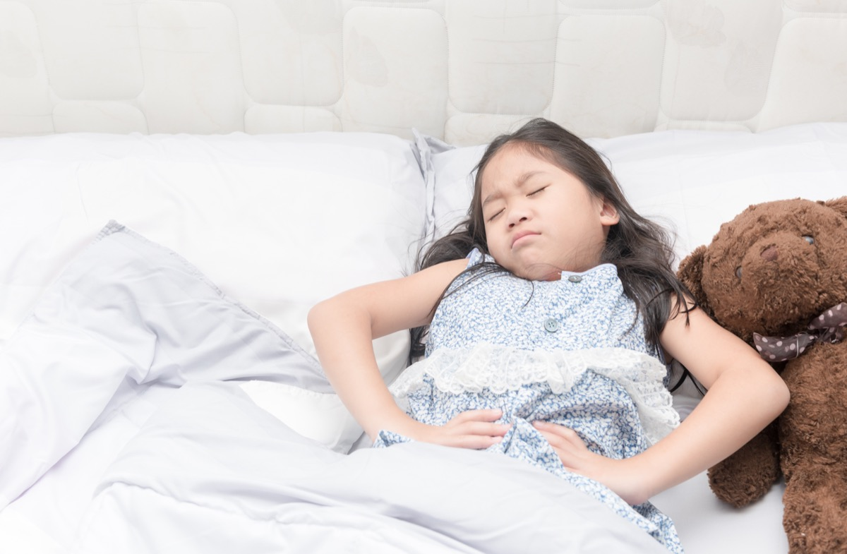 kid with stomach pain, classroom germs
