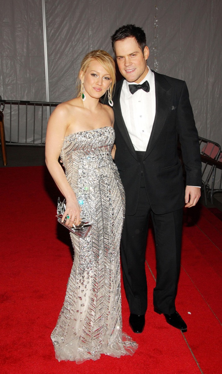 mike comrie and hilary duff, celebrity exes