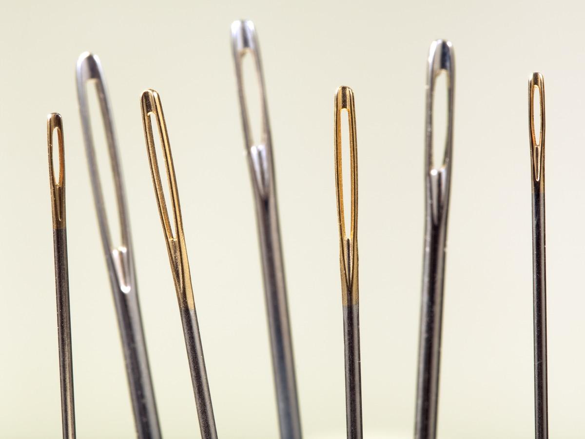 needle eye needle and thread sewing