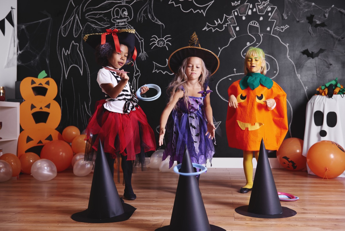 witch's ring toss halloween game