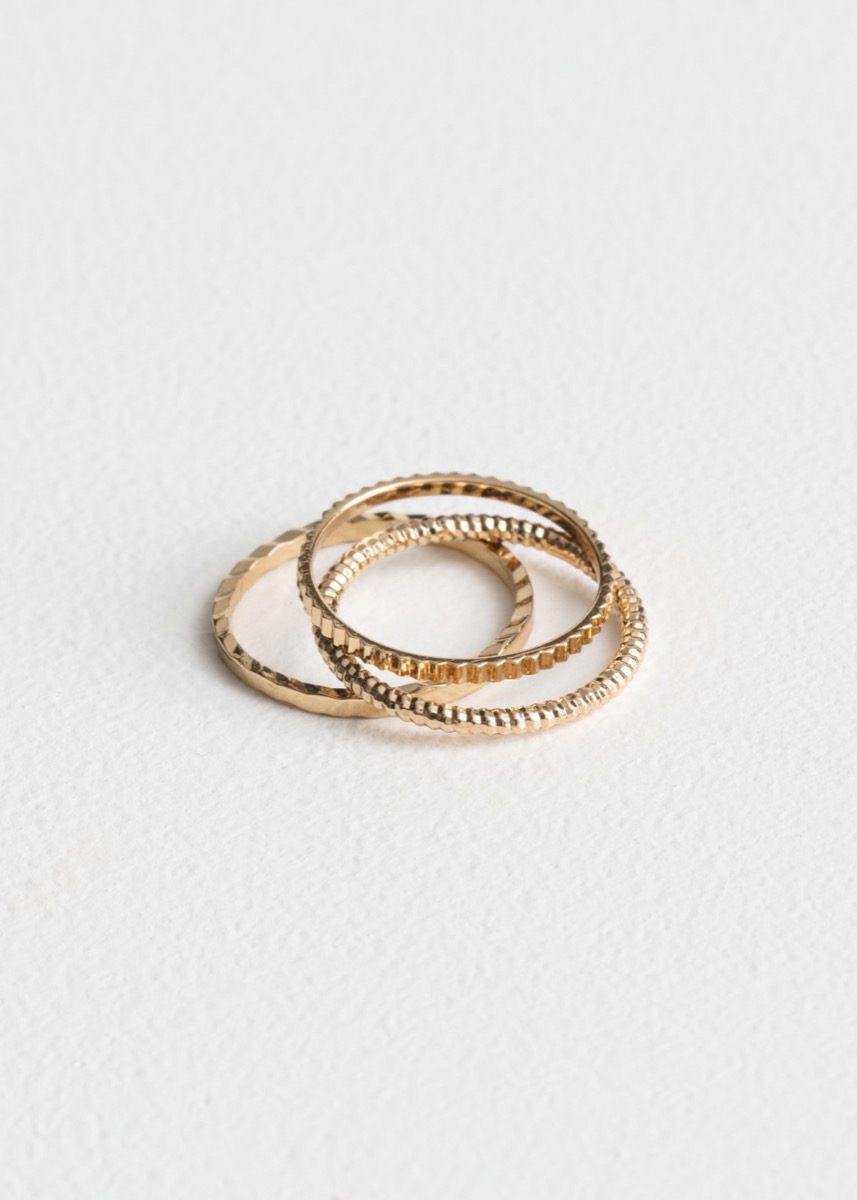 three gold rings, best gifts for girlfriend
