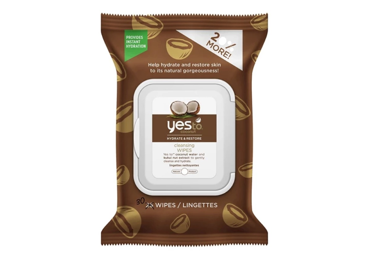 yes to coconut cleansing wipes, summer beauty products