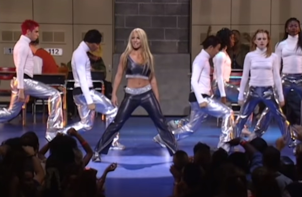 Britney Spears performs at 1999 VMAs