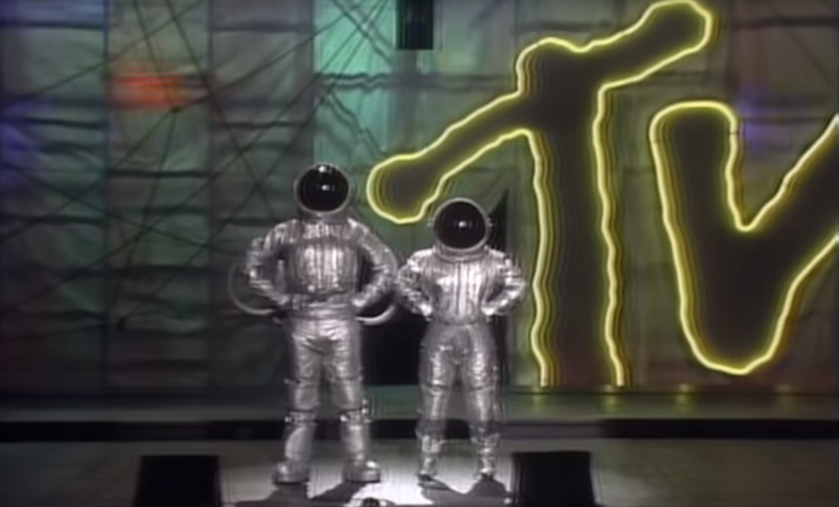 hosts of the 1985 mtv vmas- facts about the vmas