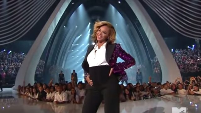 Beyonce reveals bump, pregnant with Blue Ivy, at 2011 MTV VMAs, most shocking performances