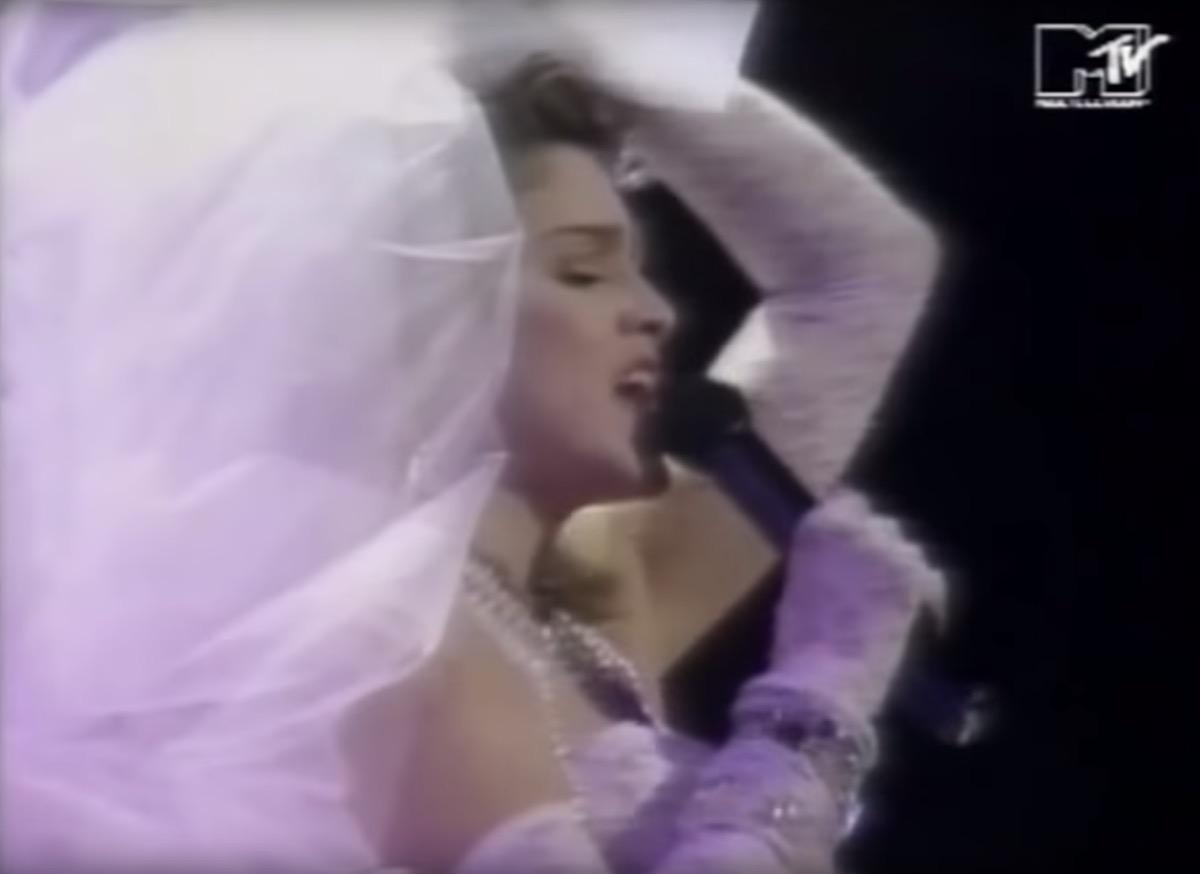 Madonna performs Like a Virgin at 1984 VMAsa
