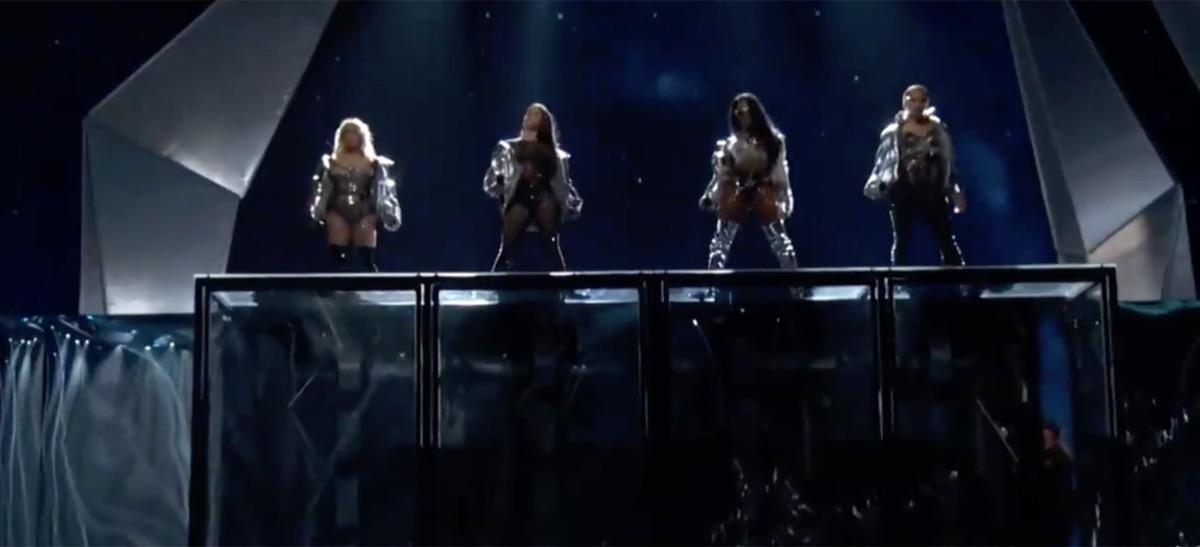 Fifth Harmony at the VMA Awards