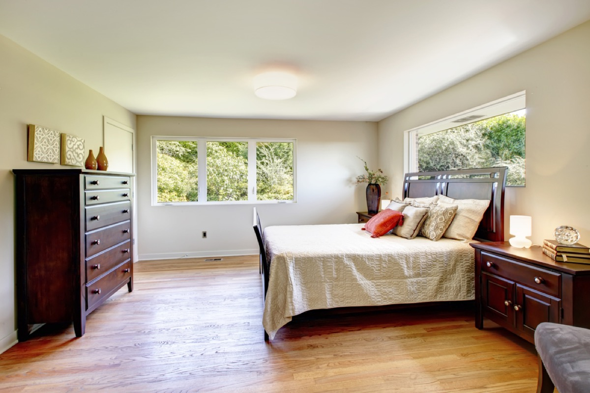 matching bedroom set, interior design mistakes