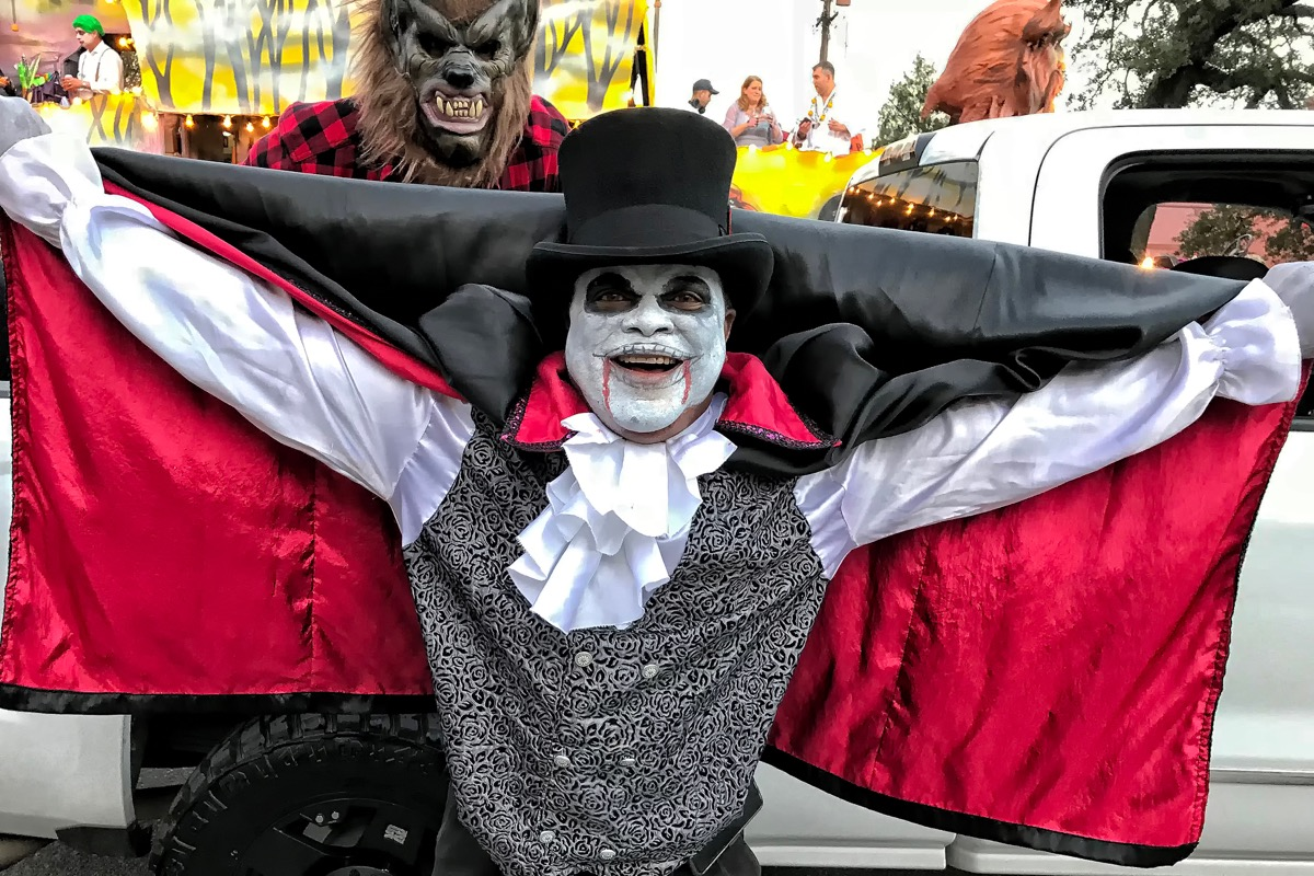 man dressed up at krewe of boo new orleans
