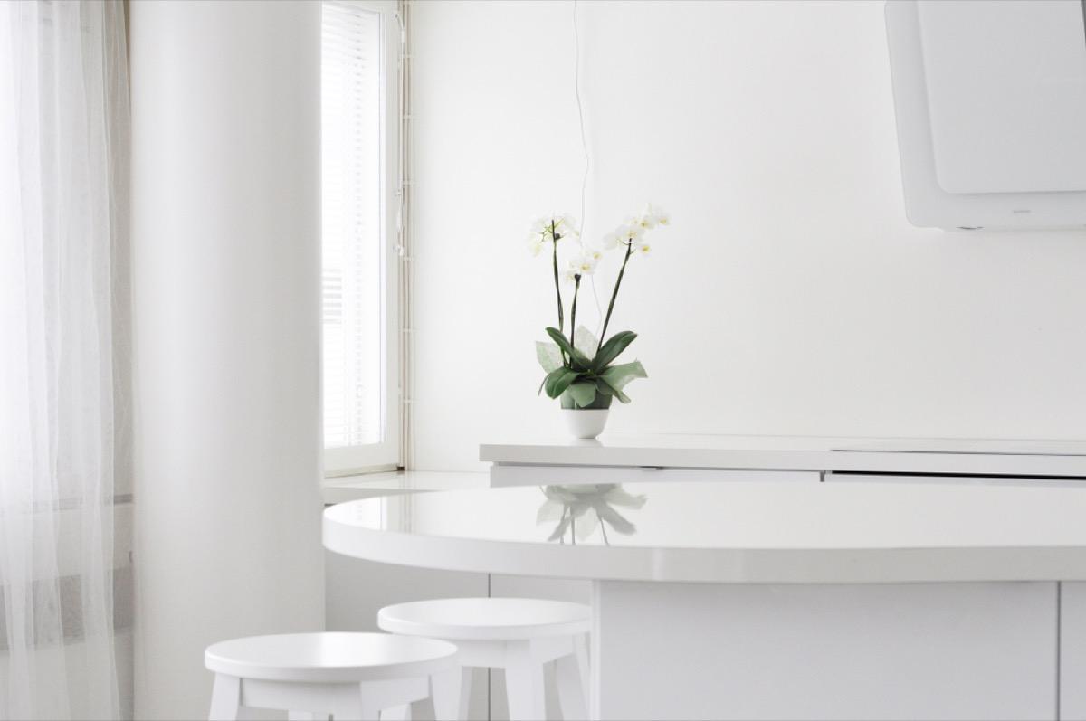 all white kitchen, interior design mistakes