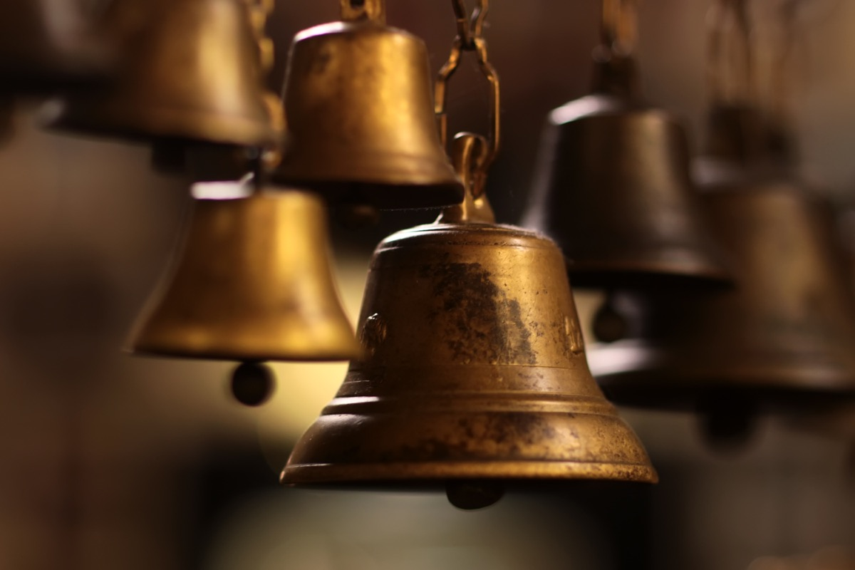 old crow's nest bell, titanic artifacts