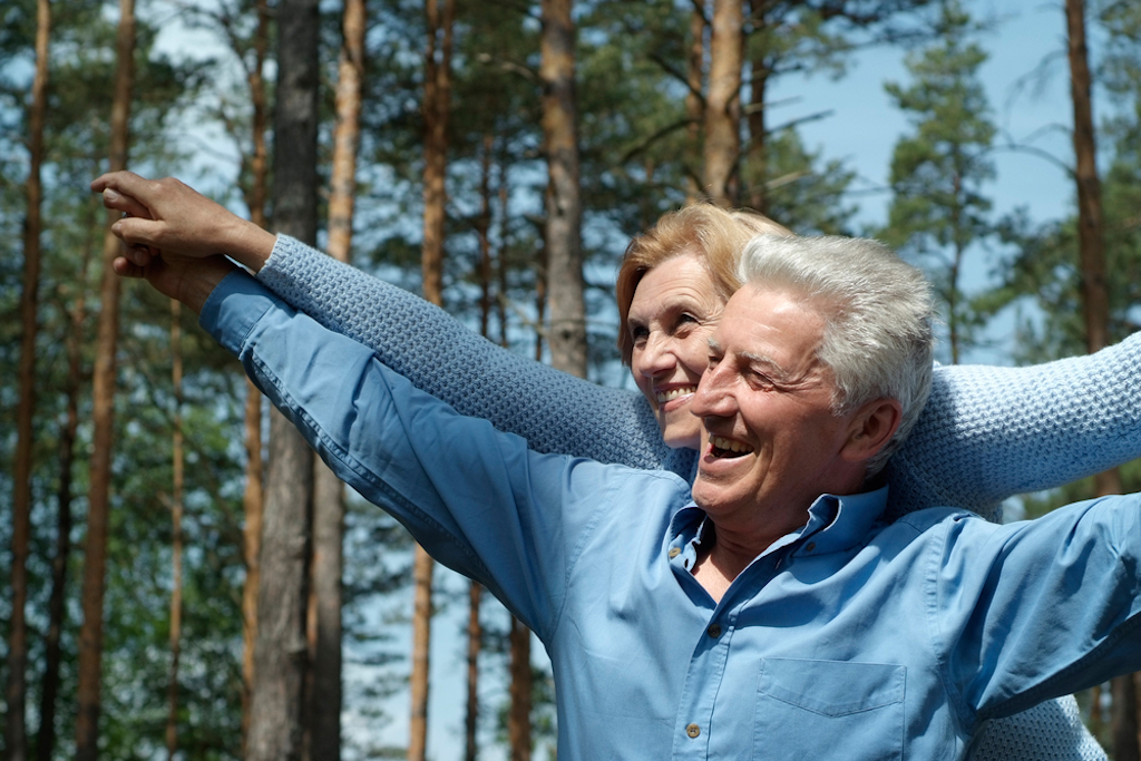 study finds older adults with children are happier than non-parents if their children have moved out