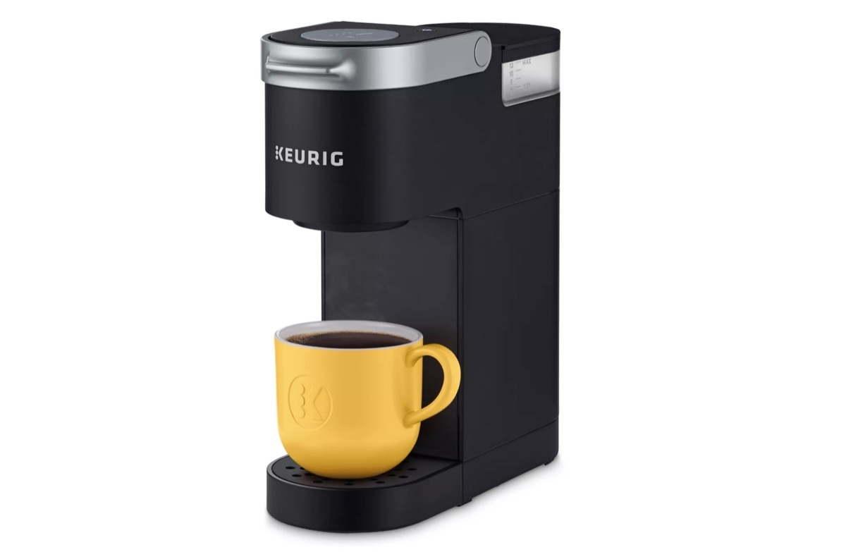 black one-cup keurig machine, best gifts for college students
