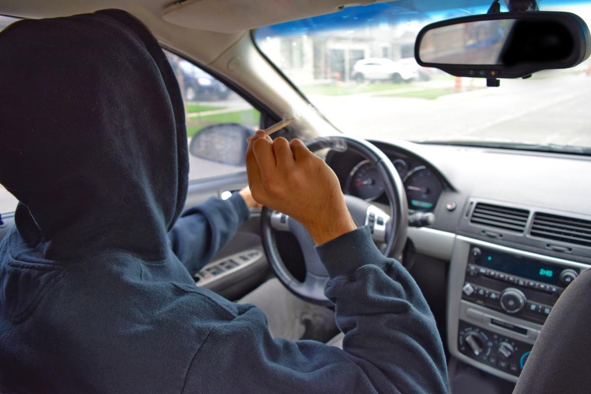 teen smoking driving