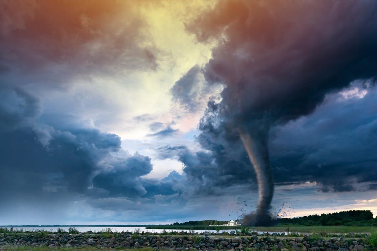 tornado U.S. state 1990s-era news stories