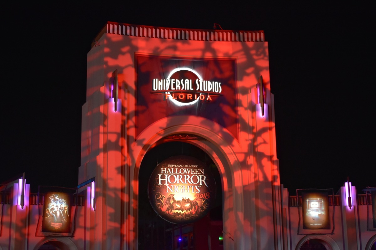 universal stuidos horror nights in halloween fall festivals