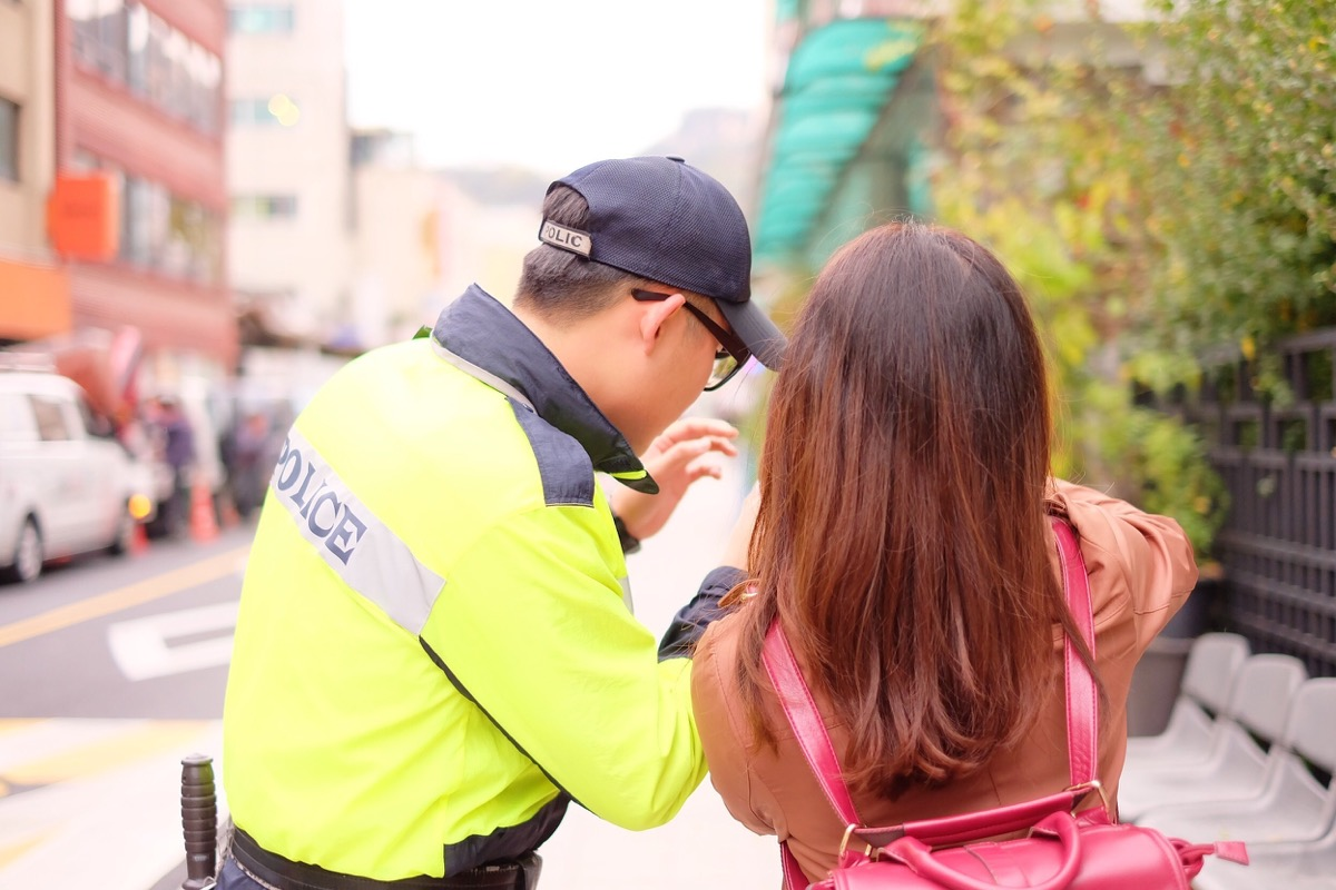 woman asking police for directions